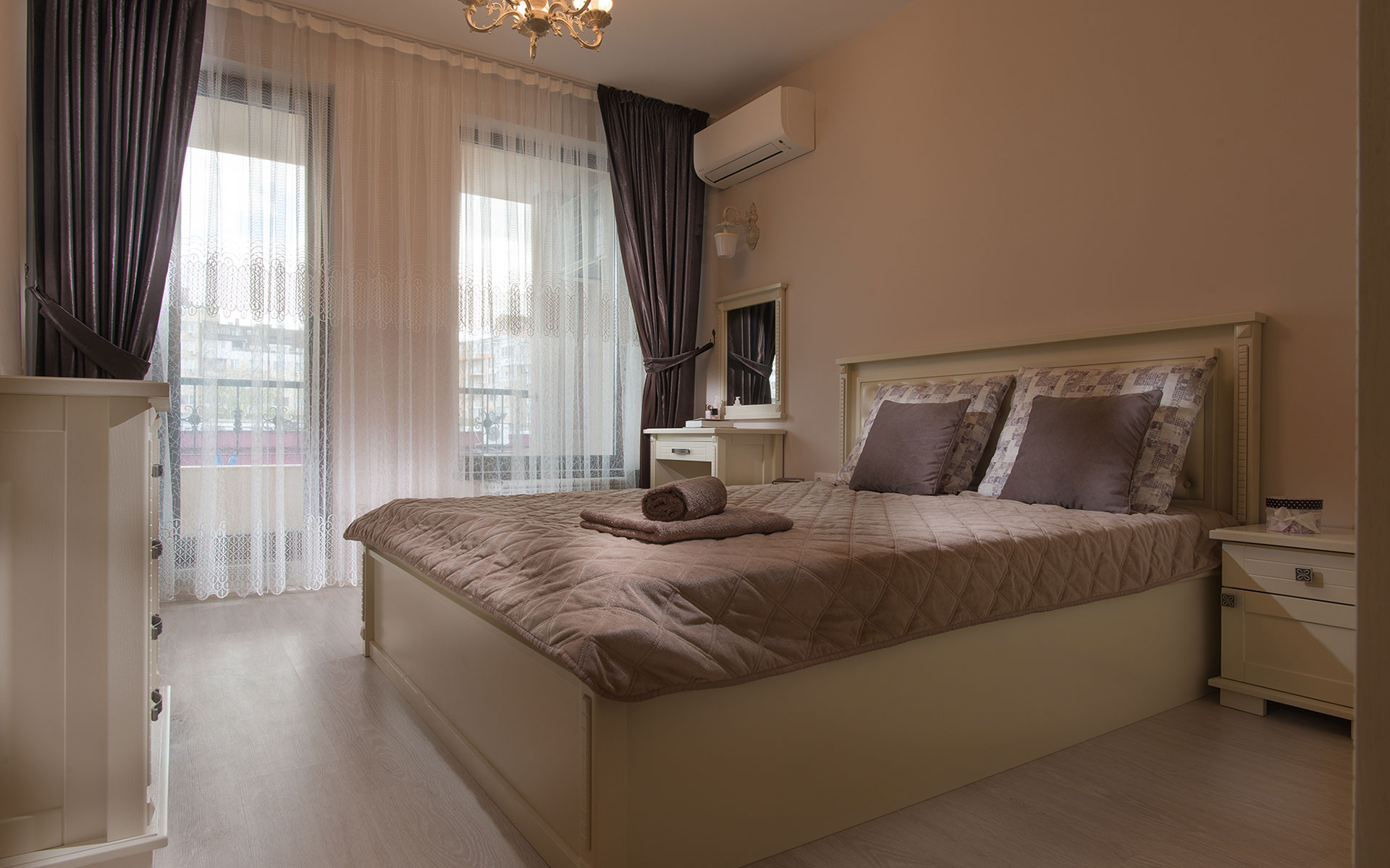Izolda: interior by - Vip Residence Club